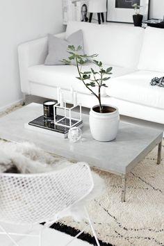 beton couchtisch aluminium gestell glatte tischplatte hellgrau