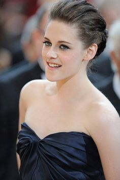 Kristen Stewart A Real-Life Fantasy. Bella Swan, Christine Stewart, Kirsten Stewart, John Stewart, Hollywood Celebrities, Hollywood Actresses, Hollywood Life, Hollywood Stars, Mtv