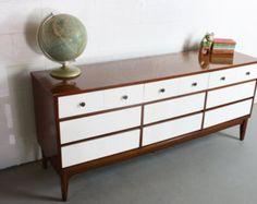 Mid Century Modern Painted 2 Tone 60's Stunning 9 Drawer Dresser