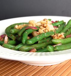 Balsamic Green Bean Salad- with red onion and walnuts. Thought:  maybe add some grilled chicken?