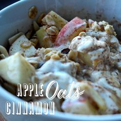 For those of you asking, BEHOLD.The amazingly easy-to-make Powell Approved breakfast recipe Sweet Breakfast, Breakfast Recipes, Clean Simple Eats, Healthy Cooking, Healthy Eating, Raw Oats, Whole Food Recipes, Healthy Recipes, Yummy Eats