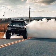 IG Owner : @forged_rick 📷 : #chevy #diesel #americanforce #forgedwheels #crewcab #oldschool #nitrous #builtnotbought #22x14 #nittotires Chevy Pickup Trucks, Lifted Chevy, Chevy Pickups, Lifted Trucks, Leaving Work On Friday, Chevy Avalanche, Forged Wheels, Old School, Diesel