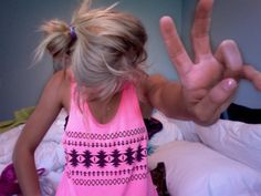 summmmer hair. i wish i could get my hair to look nice messy.