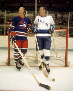 Bobby Hull, Winnipeg Jets, and Gordie Howe, Houston Aeros