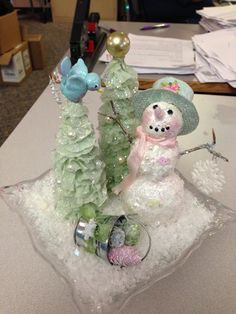 This year for my church's annual craft sale my friend Mary and I offered a number of Lunch & Learn sessions for making a variety . Christmas Deco, Christmas Snowman, Christmas And New Year, Christmas Crafts, Snowman Wreath, Snowman Crafts, Paper Clay, Paper Mache, How To Make Scarf