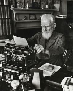 George Bernard Shaw by Alfred Eisenstaedt > Le Petit Monsieur Cocosse George Bernard Shaw, Writers And Poets, Writers Write, Book Writer, Book Authors, Playwright, Famous People, Black And White, Reading
