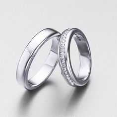 Extensa selección de alianzas de oro y diamantes de LK. Set de alianzas para bodas en oro blanco, con diamantes y sin ellos, de LK