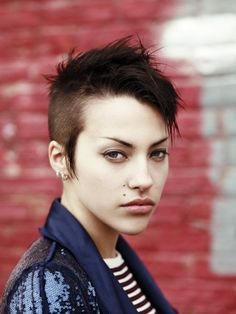 If I ever shave my head I would prob do tis but I wouldn't do the long sideburn part