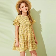 Girls Smocked Dresses, Dresses Kids Girl, Kids Outfits, Cute Outfits, Houndstooth Dress, Gingham Dress, Dress Anak, Smock Dress, Children