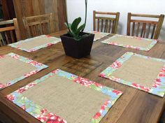 Burlap Handmade reversible placemats set of 4 Burlap Crafts, Yarn Crafts, Sewing Crafts, Diy And Crafts, Sewing Projects, Projects To Try, Mocca, Creative Decor, Fabric Painting