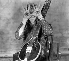 Sonic Youth's Thurston Moore ... Follow – > http://www.songssmiths.wordpress.com/ Like -> http://www.facebook.com/songssmithssongssmiths