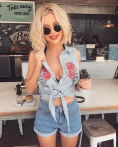 """2,624 mentions J'aime, 38 commentaires - Laura Jade Stone (@laurajadestone) sur Instagram : """"Getting my daily fix ☕️ @missshopofficial"""""""