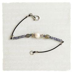 Bracelets - Iris Bracelet