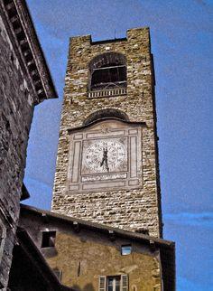 Campanone, Piazza Vecchia, Città Alta, Bergamo, Lombardy, Italy