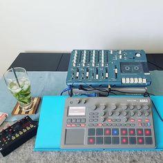Repost @dark_tapes  Back to the shaq  #homerecording #tascam #4track #factinstabeats #electribe #microgranny #samplers #drummacines #chillwave #cassette #analog #portastudio #downtempo #bedroomproducer #beatmaking #electribelovers