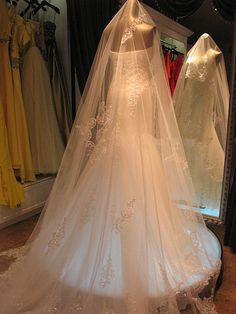 Cheap veil long, Buy Quality veil bride directly from China veils with swarovski crystals Suppliers:               Payment    Shipping:  Shipping Cost : Free . Free Shipping country : U