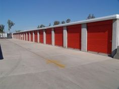 How to Pack a Self Storage Unit. Tips that help people who need temporary space to keep all their stuff until they ship some of it overseas and setup the rest in their home #CentExCargo
