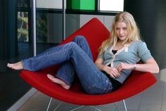 Callie: On her days off, she could usually be found lounging in her favorite red chair, her bare feet tucked up as she lost herself in a novel or caught up on her BBC shows. (Emilie de Ravin as Callie Barnett) / ©Jordan Finch Emilie De Ravin, Coral, Barefoot Girls, Latest Hd Wallpapers, Women's Feet, Losing Her, Bell Bottom Jeans, Give It To Me, Beautiful Women