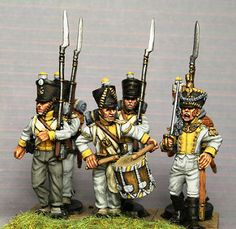 Small Soldiers, Toy Soldiers, Military Figures, Military Diorama, 28mm Miniatures, Battle Of Waterloo, Military Modelling, Napoleonic Wars, Figure Painting