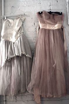 Vintage gowns, looking a little raggedy, but still kinda cool. Vintage Prom, Vintage Gowns, Vintage Outfits, Vintage Fashion, Vintage Clothing, Lovely Dresses, Beautiful Outfits, Grands Ballets Canadiens, Bridesmaid Dresses