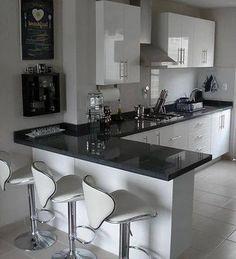 Inspiración para el diseño y decoración de cocinas. Encuentra ejemplos de cocinas, muebles para cocina que te servirán para crear el hogar de tus sueños. Inspírate con los mejores muebles, encimeras, utensilios y mesas de cocina. Acuérdate que si es pequeña, debe estar absolutamente bien planeada.