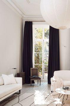 Dream Worthy Townhouse In NY. All white living room #livingroom #interiordesign