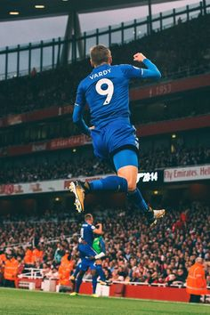 Jamie Vardy 5 Leicester City F.C Football Quote Poster Sport Star on Court Photo