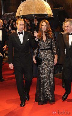 Los Duques de Cambridge en el estreno de 'Caballo de Batalla' en Londres