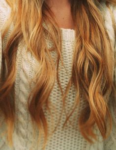 long wavy blonde hair