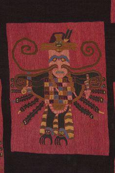Detalle de manto funerario de Paracas  Peru prehispanico