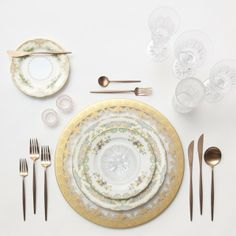 Glass Chargers, Gold + Le Melange Vintage China + Rose Gold Flatware + Czech Crystal White Wine/Red Wine/Champagne Flute/Tumbler + Pink Salt Cellars | Casa de Perrin Design Presentation