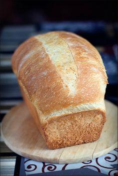 Поздравляю со всемирным днем хлеба! Удивительный, великолепный хлеб! После того как я его увидела в журнале у Люды (mariana_aga), не могла дождаться выходных, чтобы рискнуть его испечь. Очень волновалась ( неожиданно для себя ), а когда смотрела как он поднимается в духовке даже начала…
