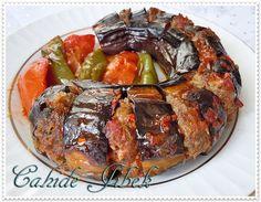 Urfa Patlıcan Kebabı (Kazan Kebabı) Turkish Recipes, Italian Recipes, Turkish Kitchen, Good Food, Yummy Food, Fish And Meat, Fresh Fruits And Vegetables, Iftar, Food And Drink