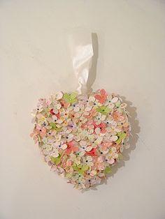 Manualidades de San Valentín corazon de fieltro con flores1