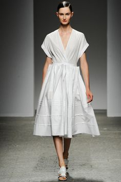 Clean white. Ports 1961 Spring 2014 Ready-to-Wear Collection Slideshow on Style.com Spring fashion trends 2014 #fashion #designer #runway