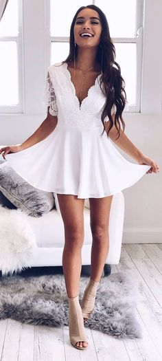 white summer dress latest fashion trends