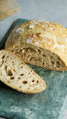 Pain sans pétrissage ~ Recette Recipe with video instructions: You no longer have any excuse for making homemade bread! Ingredients: of wheat flour type of whole wheat flour, 1 ½ tsp. Knead Bread Recipe, Best Bread Recipe, No Knead Bread, Easy Bread Recipes, Cooking Recipes, Chicken Recipes, Beef Recipes, Wholemeal Bread Recipe, Healthy Recipes