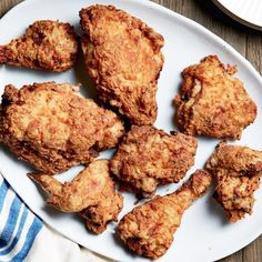 How to Make Ina Garten's Oven-Fried Chicken – Food Network How to Make Ina Garten's Oven-Fried Chicken Ina Garten's Oven-Fried Chicken will not disappoint. Turkey Recipes, Dinner Recipes, Food Network Recipes, Cooking Recipes, Chef Recipes, Recipies, Fried Chicken Recipes, How To Fry Chicken, Chicken Fried Chicken