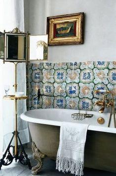 Eastern Luxury: 48 Inspiring Moroccan Bathroom Design Ideas We continue telling you about luxurious interiors of Moroccan style. Moroccan Bathroom, Bohemian Bathroom, Moroccan Tiles, Vintage Bathrooms, Chic Bathrooms, Modern Bathroom, Small Bathroom, Masculine Bathroom, Classic Bathroom