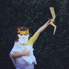 Coolest medusa and zeus homemade halloween costumes inspired by the zeus costume solutioingenieria Images
