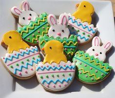 Creative-and-beautiful-Easter-Chicks-and-Bunny-Cookies-cake.jpg 500×426 pixels