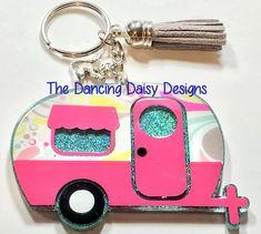 SALE Retro Camper Acrylic Keychain | Etsy Diy Resin Keychain, Cool Keychains, Handmade Keychains, Acrylic Keychains, Keychain Ideas, Dancing Daisy, Keychain Design, Diy Epoxy, Retro Campers