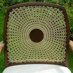 Cane medallion back arm chair repair the circular cane pattern Chair Repair, Old Baskets, Patterned Chair, Cane Furniture, Vintage Chairs, Weaving Patterns, Fiber Art, Design Art, Hand Weaving