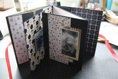Scrapbooking Simple, Scrapbooking Mini Album, Mini Scrapbooks, Mini Album Scrap, Baby Mini Album, Mini Albums Photo, Stampin Up, Graffiti Girl, Paper Crafts