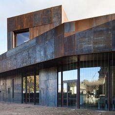 Bernard Desmoulin, Luc Boegly · La construcción de un polo de Restauración en ENSAM Cluny