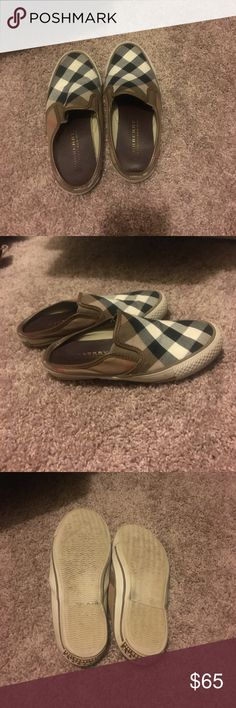 Burberry shoes Burberry shoes worn 3 times Burberry Shoes Flats & Loafers