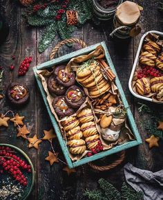 Christmas Cookies Gift, Christmas Sweets, Christmas Baking, Cookie Box, Cookie Gifts, Christmas Food Photography, Bake Sale Packaging, Xmas Food, Perfect Cookie