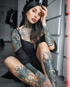 "𝘼𝙡𝙚𝙭𝙖. on Instagram: ""Sunday funday • • • *advertising #girl #girlswithtattoos #neotradtional #tattoos #tattoo #chesttattoo #picoftheday #instadaily…"" All Tattoos, Body Art Tattoos, Tattoed Women, Tumblr, Chest Tattoo, Inked Girls, Tattooed Girls, Sunday Funday, Good Day"