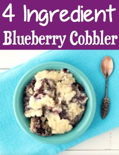 Blueberry Cheesecake Recipes with Cake Mix are Easy! Cobbler pie like this dessert is yummy! Spring Desserts, Easter Desserts, Sweet Desserts, Christmas Desserts, Delicious Desserts, Blueberry Cobbler, Blueberry Cheesecake, Cheesecake Recipes, Dump Cake Recipes