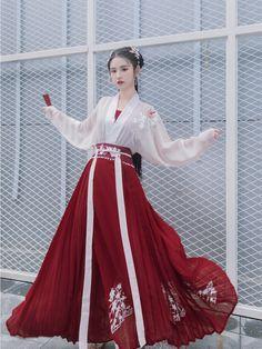 Chinese Clothing Traditional, Traditional Fashion, Traditional Dresses, Kimono Fashion, Fashion Outfits, Mode Kimono, Mode Kawaii, Fantasy Dress, Japanese Outfits